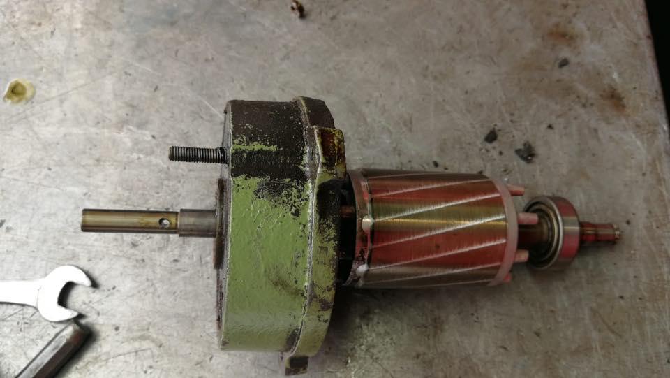 Reparatur einer Metallsäge