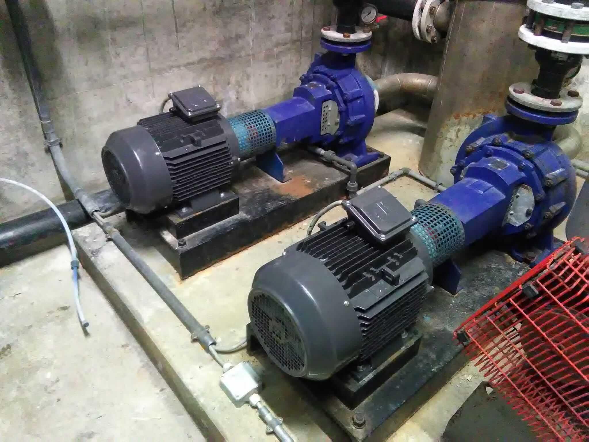 Austausch zweier Motoren der Zirkulationspumpen